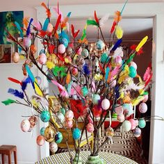 Happy easter! Swedish Easter tree! (Found on Pinterest)