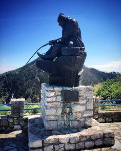 Monumento al Pescador de caña en el Mirador de Pechón  #pescador #pechon #tinamenor #valdesanvicente #cantabriasan #cantabria #turismo #cantabriayturismo #cantabria_y_turismo #cantabriainfinita #cantabros #cantabricamente #cantabriaverde #cantabriarural #igerscantabria #paseucos #paseúcos #cantabriamola #igercantabria #igcantabria #fotocantabria #follow #picoftheday #instapic #fotodeldia #pasionporcantabria #latierruca Esta imagen tiene copyright