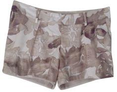 Simply Vera Wang Shorts Gray Tan Lilac Purple Floral - size 14