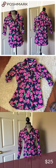 "LILLY PULITZER FLORAL TOP Beautiful top, in perfect condition. Like new. 100% polyester. Loose fit. Chest 40"" length 28"" sleeves 23"". PRICE IS FIRM, you can bundle for extra savings ty Lilly Pulitzer Tops Button Down Shirts"