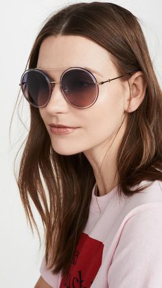 women glasses face shapes 170362798393394048 - Flattering Oversized-Sunglasses for Square Face Shapes Source by caseymatheny Gucci Sunglasses, Oversized Sunglasses, Round Sunglasses, Glasses For Face Shape, Square Faces, Round Frame, Signature Logo