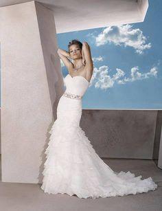 Wedding Dresses Hochzeitskleider - http://www.1pic4u.com/blog/2014/06/05/wedding-dresses-hochzeitskleider-81/