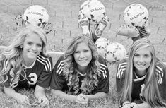 Soccer Poses for Photos Soccer: Could also work for other sports Senior Pics, Soccer Senior Pictures, Soccer Team Photos, Soccer Poses, Volleyball Pictures, Team Pictures, Sports Pictures, Friend Pictures, Softball Pics