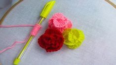Hand Embroidery amazing trick# Sewing Hack with Pen# Easy Rose Flower Em. Hand Embroidery Tutorial, Hand Embroidery Patterns, Embroidery Stitches, Quilt Patterns, Learn Embroidery, Rose Embroidery, Simple Rose, Easy Rose, Brazilian Embroidery