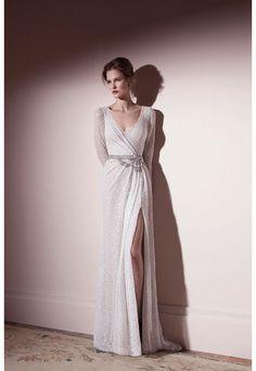 Robe de mariée style glamour avec fente sur la jambe - Robe: Lihi Od - La Fiancée du Panda blog Mariage et Lifestyle
