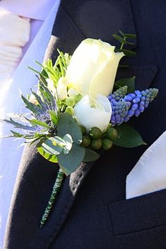 Flower Design Buttonhole & Corsage Blog: Groom's special Ivory & Blue Spring Buttonhole