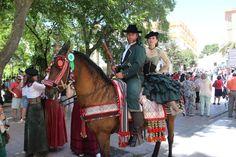 Vecinos de Ronda, Málaga (ES) y la Serranía, están enseñando un trozo de su pasado gracias a la recreación histórica Ronda Romántica Fair Grounds, Romanticism, Scrap, Past Tense, Thanks, Interiors, Pictures