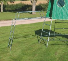 TP explorer2 Jungle Run - the climbing frame that grows with your child. It can be built at 2 levels