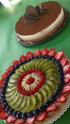 Crostata di frutta fresca e Bavarese ai Tre Cioccolati (ricetta di L. Montersino)