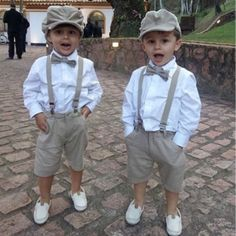 The flower girl is also a highlight of the wedding, and you may have spent a lot of time before the wedding. Of course, the flower girl at the wedding should match the dress of Read more… Wedding Page Boys, Wedding With Kids, Baby Boy Dress, Baby Boy Outfits, Wedding Scene, Dream Wedding, Wedding Ceremony, Wedding Suits, Wedding Attire