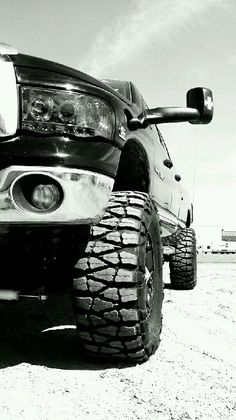 dodge....oh how i love trucks!! <3<3<3