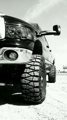 dodge....oh how i love trucks!! <3<3<3