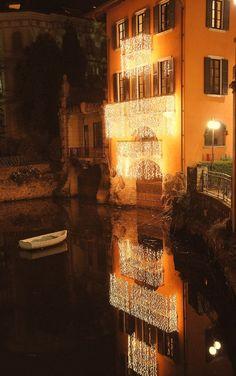 Luci di Natale. Lake Como, Italy