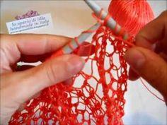 """Spiegazione del punto rete ai ferri """"dal vivo""""... / Showing how to knit the net stitch... Find me on my blog http://spaziolilla.blogspot.it On Fb https://www..."""