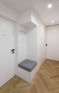 Bedroom Closet Design, Home Room Design, Room Decor Bedroom, Home Entrance Decor, House Entrance, Armoire Entree, Hallway Seating, Interior Design Guide, Closet Renovation
