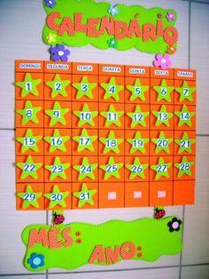 EDUCAÇÃO INFANTIL CRIATIVA: Modelo de calendário para Educação ... Class Decoration, School Decorations, Classroom Organization, Classroom Decor, Classroom Calendar, Pre School, Delaware, Preschool Activities, Ideas Para
