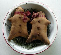 primitive-gingerbread-man-ornie-tuck