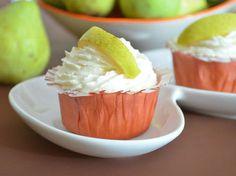 Reţetă cupcakes cu pere şi nucă de cocos