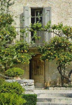 Italian home with lemon trees