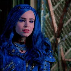 Disney Descendants Movie, Evie Descendants, Disney Channel Movies, Two Worlds, Rose Gold Backgrounds, Wattpad, Disney Xd, Cameron Boyce, Dove Cameron