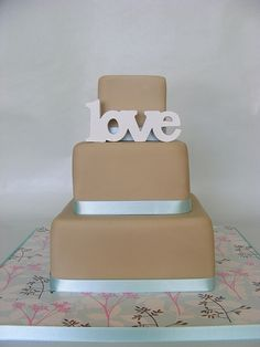 A wedding cake with a statement