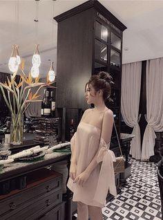 Stylish Dresses, Fashion Dresses, Fashion Photo, Fashion Looks, Estilo Kylie Jenner, Classy Gowns, Just Style, Prom Dresses, Wedding Dresses