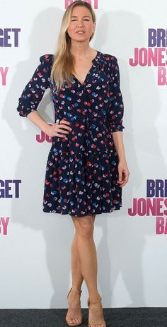 Renee Zellweger in Rebecca Taylor attends the 'Bridget Jones's Baby' Madrid Photocall. #bestdressed
