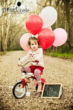 Top 16 Valentine Day Picture For Toddler & Kid – Creative Photography Card Ideas - HoliCoffee Valentine Mini Session, Valentine Picture, Holiday Mini Session, Valentines Day Pictures, Holiday Pictures, Valentine Pics, Photography Mini Sessions, Holiday Photography, Love Photography