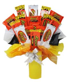 All Reese's Cup Candy Bouquet with Reese's Cookie Crunch, White Chocolate, Reese's Pieces, Big Cup, Candy Boquets, Candy Bar Bouquet, Chocolate Peanut Butter Cups, White Chocolate, Candy Crafts, Diy Crafts, Christmas Mom, Christmas Cookies, Cookie Crunch