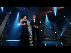 ▶ Lucie Bílá & Karel Gott - Ať láska křídly mává (2009) - YouTube Karel Gott, Nightingale, Most Favorite, Singer, Youtube, Concert, Woman, Sweet, Musik