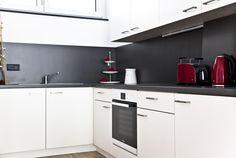 Hochwertige Küchenzeile Kitchen Cabinets, Home Decor, New Construction, Real Estates, Homes, Decoration Home, Room Decor, Kitchen Base Cabinets, Dressers