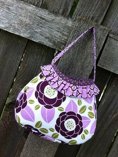 Just Another Hang Up :: Little Girl Purse  http://www.modabakeshop.com/2011/11/rubys-party-bag.html