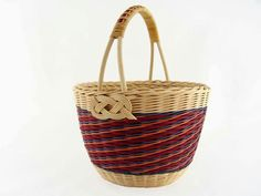 VK is the largest European social network with more than 100 million active users. Bamboo Weaving, Weaving Art, Basket Weaving, Hand Weaving, Art N Craft, Storage Baskets, Wicker, Rattan, Pottery