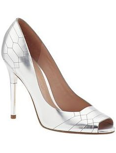 Sigerson Morrison Kitty | Piperlime - love metallic shoes! #springtrend