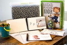 Guided Reading At The Beginning Of The Year (kindergarten) A Day in First Grade Morning Meeting Kindergarten, Kindergarten Units, Kindergarten Reading, Hands On Activities, Stem Activities, Morning Activities, Guided Reading Binder, Body Preschool, Work On Writing