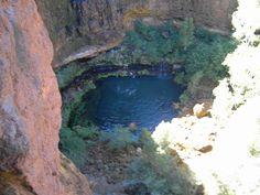 Waterhole, stunning Karijini NP