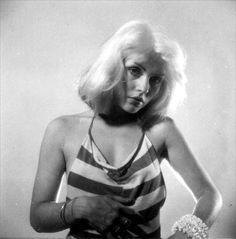 New Style Rock And Roll Debbie Harry Ideas First Rapper, Nostalgia, Blondie Debbie Harry, Estilo Rock, Post Punk, Famous Women, Celebs, Celebrities, American Singers