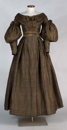 Dress. About 1836-1840. Gift of Annetta Eddy Brigham. 2001.49.9. Connecticut Historical Society