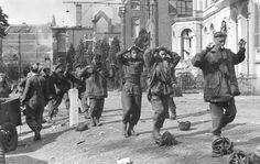 The Battle of Arnhem stands with a handful of iconic engagements which continue to draw attention long after defeat or victory cease to have immediate relevance. Ww2 Uniforms, British Uniforms, Operation Market Garden, Parachute Regiment, Man Of War, Paratrooper, World War One, History Photos, American Soldiers