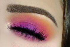 """Colorful spring makeup  BROWS: Anastasia Beverlyhills brow wiz """"chocolate"""" SHADOWS: Nyx ultimate brights palette LASHES: House of Lashes """"noir fairy"""" BRUSHES: Sigma   #eotd"""