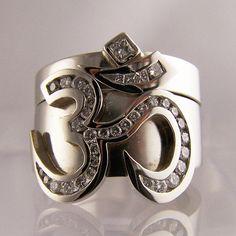 platinum & diamond 'OM' 2 ring set #jewellery #jewellerydesign #jewelleryonline #jewelleryset #jewelleryshops #bespoke #asschercut #diamond #diamondrings #style #sapphire #emerald #emeraldring #sapphirering #wedding #weddingrings