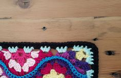 Moroccan Garden: Free crochet pattern for a floral tile with halves and quarter pieces for squaring off. Make blankets, throws, afghans,…