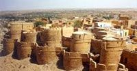 """Jaisalmer Fort one of the well known place to experience the aesthetic ancient India. An name with which it is also known is """"The Golden Fort"""". It was build by a rajput raja Rawal jaisal in Jaisalmer city of slightly Rajasthan in 1156 AD."""