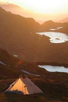 Take me there ! tent trip in the mountains