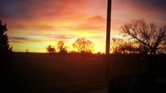 @kevincheney: #TODAYsunrise from Fort Riley, KS.