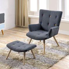 Rétro à souhait, ce fauteuil gris à boutons fait merveille dans les intérieurs vintage