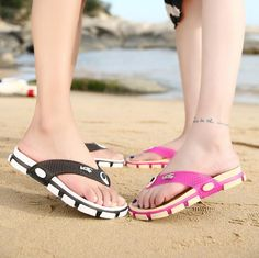 2017 Women's Beach Clogs Air mesh sandals Casual slippers breathable Classic Clogs and Mules flat Jelly Garden shoes Slides