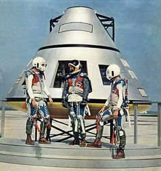 NASA Apollo mockup - From the cover of Aviation Week May 1962 Apollo Space Program, Nasa Space Program, Programa Apollo, Matthieu Bourel, Nasa History, Apollo Missions, Space Cowboys, Space Race, Vintage Space