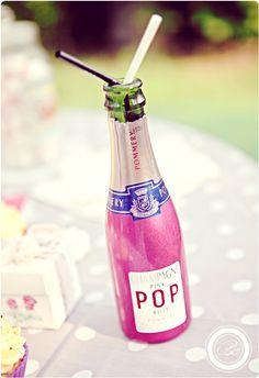 Champagne #champagne http://www.blanccoco.com/2011/09/23/buffet-de-nos-fiancailles-love-vintage-cupcakes-bagels/