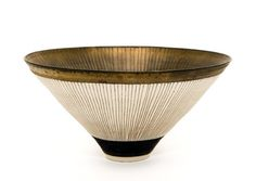 Lucie Rie bowl. Sgraffito decoration and bronze glaze.  http://livre-de-matieres.tumblr.com/post/15888493254/yama-bato-lucie-rie-bowl-1977-photograph
